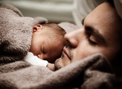 donner un prénom à son bébé avec son papa