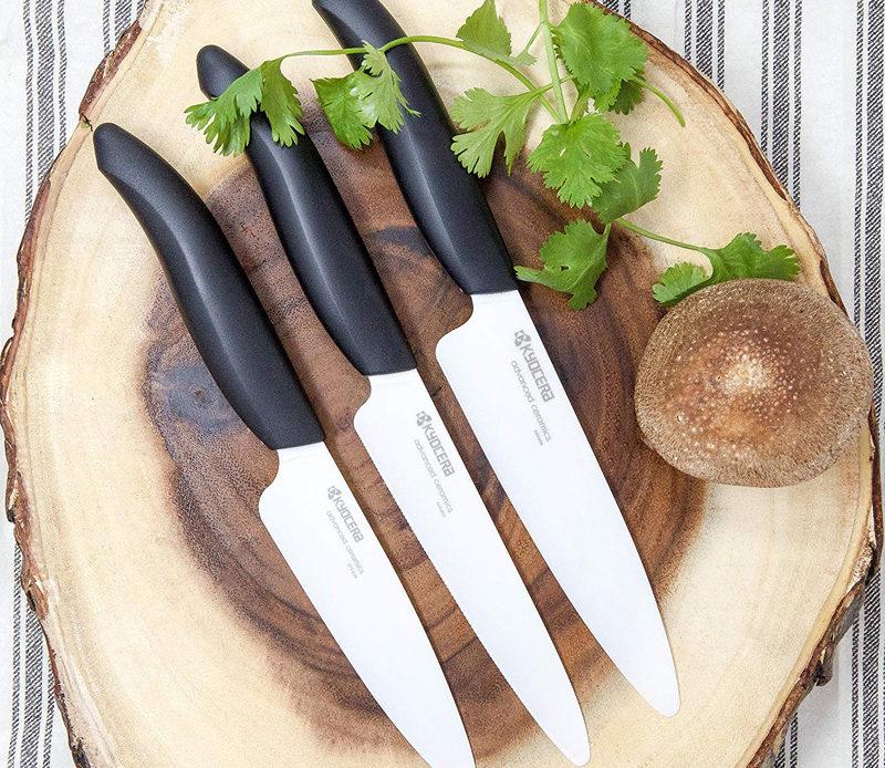 Avoir des couteaux en céramique japonais
