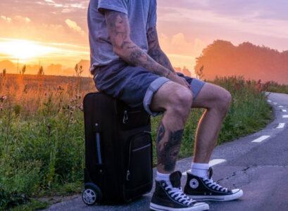 Les indispensables de la valise d'été pour un homme