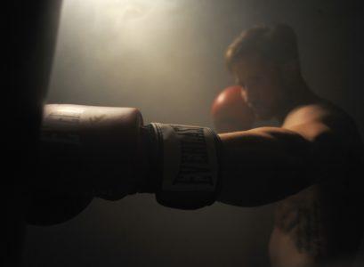 sac de frappe pour faire de la boxe
